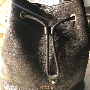 🎄♥️ Italian leather Furla Cross body bag